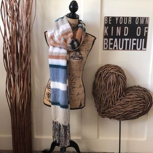 The Supercozy Scarf by Sonoma